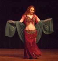 Piper's lyrical and dynamic veil dancing at Belly Dance Magic 2007 272R