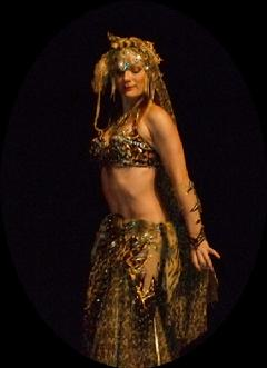 Melina in Gypsy splendor at Belly Dance Magic 2007 469B
