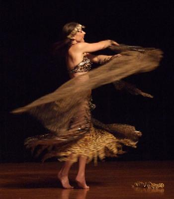 Melina in Gypsy splendor at Belly Dance Magic 2007 212R
