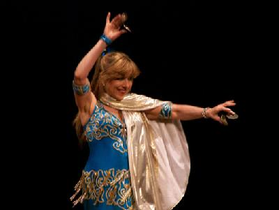 Artemis performs a traditional Turkish Romany dance at the Baltimore Museum of Art for Belly Dance Magic 2007 242