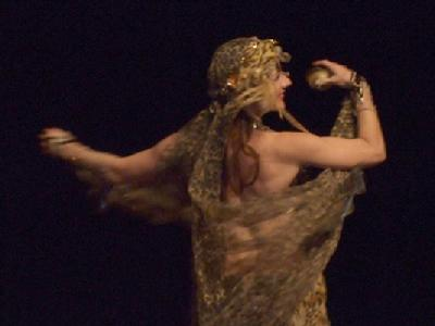 Melina in Gypsy splendor at Belly Dance Magic 2007 204R
