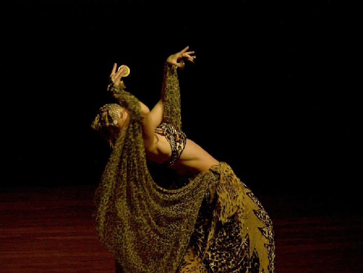 Melina in Gypsy splendor at Belly Dance Magic 2007 - Back Bend